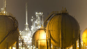油精炼厂工厂   库存图片