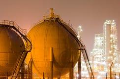 油精炼厂工厂 免版税库存照片