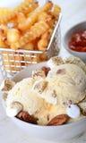 黄油胡桃冰淇凌用炸薯条 库存照片
