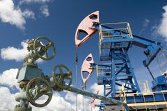 油设备 泵浦和门闩 免版税库存图片