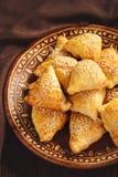 油酥点心用鸡肉, samosa,东方乌兹别克人烹调 库存图片
