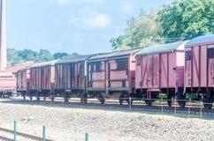 油陆上铁路运输运输无盖货车 库存图片