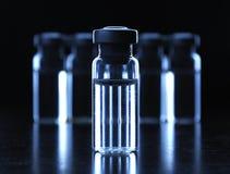 治疗小瓶 免版税库存图片