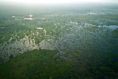 沼泽和烟在卡卡杜国家公园 免版税图库摄影