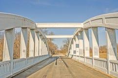 沼泽在路线66的曲拱桥梁 免版税库存照片
