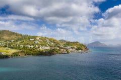 沿一个圣克里斯多福与尼维斯海岛的海岸线加勒比的 库存照片