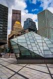 沿一条街道的现代大厦在波士顿,马萨诸塞 图库摄影