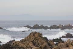 沿中国岩石, 17英里驱动,加利福尼亚,美国的海岸 图库摄影