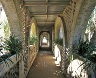 沿内在庭院的走道在阿塔拉亚 免版税库存照片