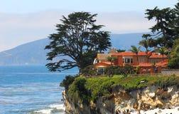 沿加利福尼亚海岸家豪华 库存图片