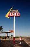 沿历史的路线66的咖啡馆标志 图库摄影