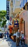 沿哥伦布大道的意大利餐馆在旧金山。 库存照片