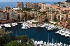 沿地中海的豪华游艇在摩纳哥港口 库存照片