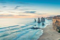 沿大洋路,澳大利亚的十二使徒岩视图 免版税图库摄影