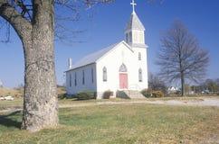 沿密苏里河的一个教会在奥古斯塔,密苏里 免版税库存照片