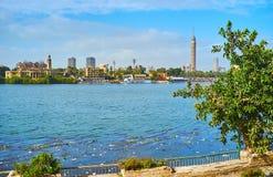 沿尼罗河,开罗,埃及的步行 免版税库存图片