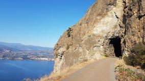 沿山行迹的一辆高自行车春天 图库摄影