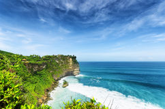 沿岸航行在Uluwatu寺庙,巴厘岛,印度尼西亚 库存图片