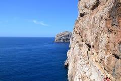 沿峭壁的楼梯-撒丁岛,意大利 库存照片