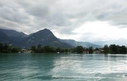 沿布里恩茨湖的美好的风景 免版税库存图片