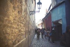 沿是属于的城堡金黄的弗朗兹有这里他的家家运输路线居住的kafka,一旦布拉格姐妹建议了 免版税库存照片
