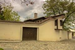 沿普罗夫迪夫奥尔德敦的被修补的街道的步行,在2019在欧洲成为文化的资本 免版税图库摄影