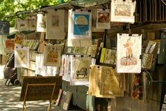 沿河塞纳河,巴黎,法国的Bookstands 免版税库存照片