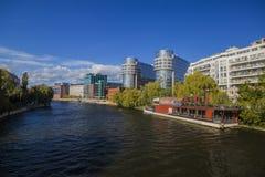 沿河狂欢的看法在柏林 图库摄影