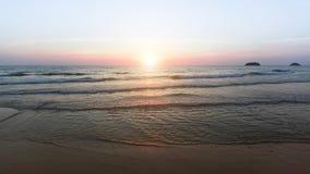 沿海全景在美妙的日落期间的 自然 库存照片