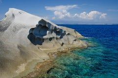 沿海岩石,介壳海角,撒丁岛 免版税库存照片