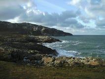 沿海岸区视图,在霍利黑德附近, Anglesey,威尔士 免版税库存照片
