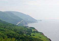 沿海岸线的路 免版税库存照片