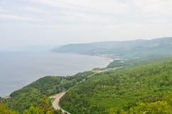 沿海岸线的路 免版税图库摄影