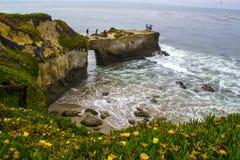 沿海峭壁在圣克鲁斯 图库摄影
