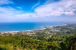 沿海市的鸟瞰图伍伦贡在澳大利亚 库存图片