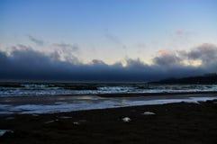 沿海板材在透明海 质量照片 免版税库存图片
