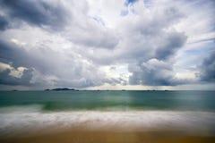 沿海,海水,波浪,云彩,任意射击 免版税库存照片