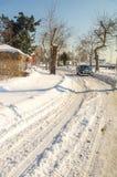 沿海Yavorov街在多雪的波摩莱,保加利亚,冬天 库存照片