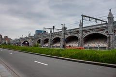 沿火车的垒排行对中央驻地在安特卫普 库存图片