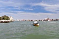 沿盛大海峡的步行,威尼斯 免版税图库摄影