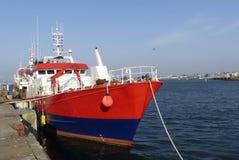 沿着码头的渔船在洛里昂,布里坦尼,法国钓鱼海港  库存图片