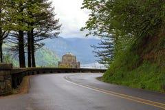 沿老哥伦比亚高速公路的景色议院在俄勒冈 库存照片