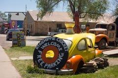 沿著名路线66的一个质朴的镇在美国 免版税库存照片