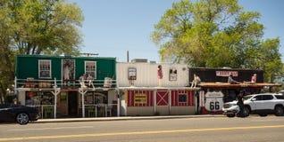 沿著名路线66的一个质朴的镇在美国 图库摄影