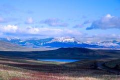 沿蒙大拿的山的美丽的Mountain湖 库存照片