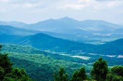 沿蓝色土坎大路的Scenics在西维吉尼亚 免版税图库摄影