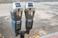 沿街道的停车时间计时器 免版税库存照片