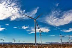 沿跨境八的风能在加利福尼亚沙漠 免版税库存照片