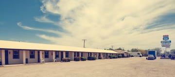 沿路线66的老历史的汽车旅馆 库存图片