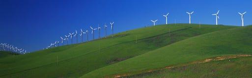 沿途径580的风车 库存图片